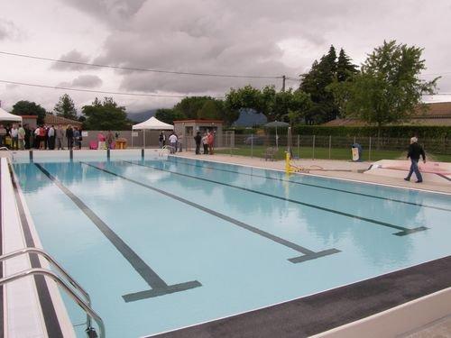 Cecileinfoloisirsenfantdrome piscine cleon d andran for Camping montelimar piscine